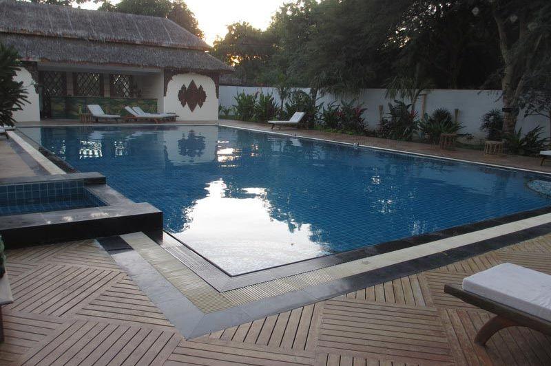 zwembad Bawga Theiddhi Hotel - Bawga Theiddhi Hotel Bagan - Myanmar - foto: Loes Sanderink