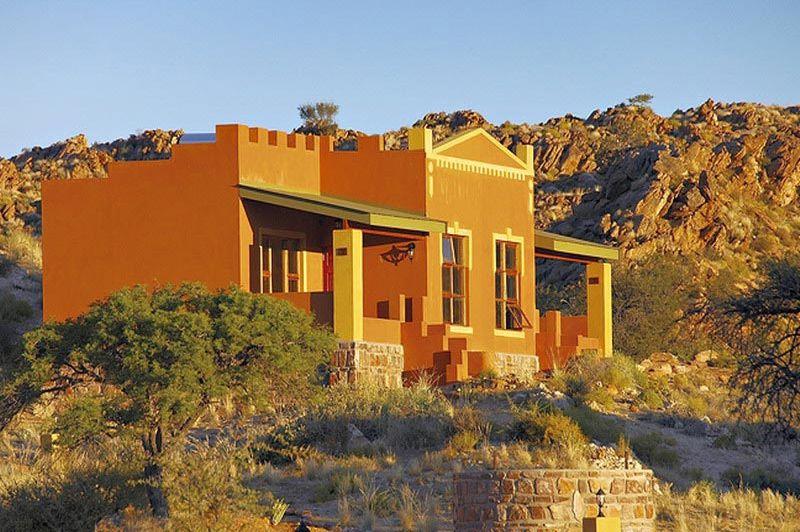 Desert Horse Inn buitenkant - Desert Horse Inn - Namibië
