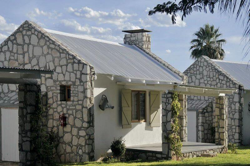 Kalahari Farmhouse buitenkant - Kalahari Farmhouse - Namibië
