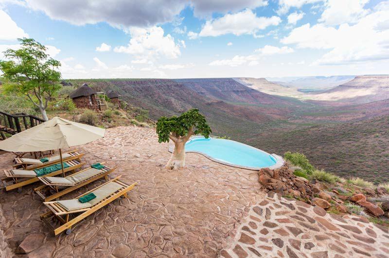 zwembad van Grootberg Lodge - Grootberg Lodge - Namibië - foto: Grootberg Lodge