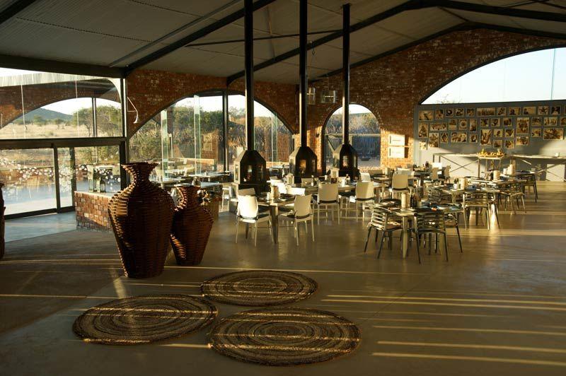 restaurant Okonjima Plains Camp - Okonjima Plains Camp - Namibië - foto: Okonjima Plains Camp