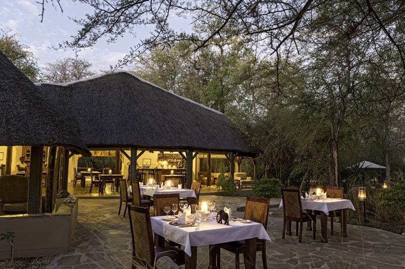 restaurant van Onguma Etosha Aoba Lodge - Onguma Etosha Aoba Lodge - Namibië - foto: Onguma Etosha Aoba Lodge