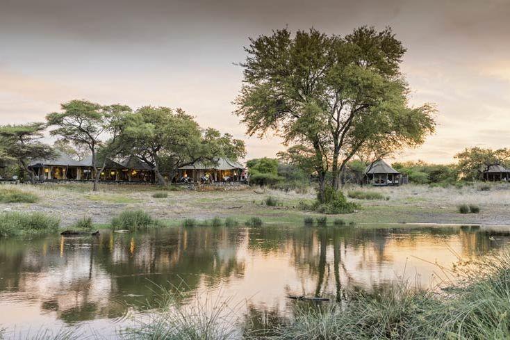vooraanzicht Onguma Tented Camp - Onguma Tented Camp - Namibië - foto: Onguma Tented Camp