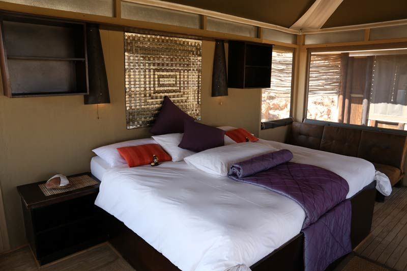 slaapkamer Moon Mountain Lodge - Moon Mountain Lodge - Namibië - foto: Moon Mountain Lodge