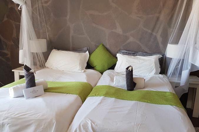 slaapkamer van Elegant Desert Lodge - Elegant Desert Lodge - Namibië - foto: Elegant Desert Lodge