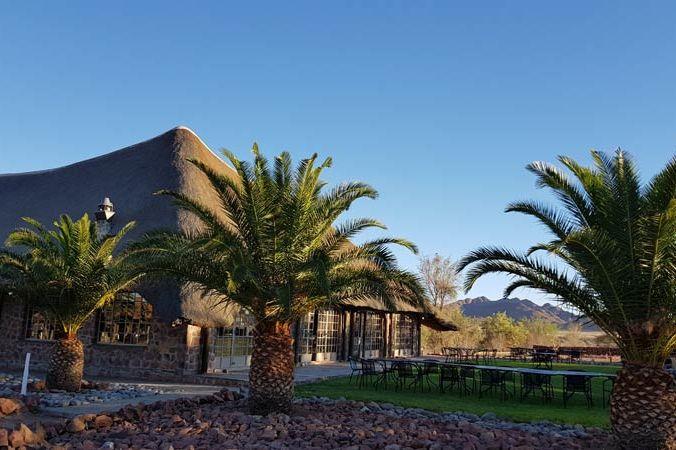 terras van Elegant Desert Lodge - Elegant Desert Lodge - Namibië - foto: Elegant Desert Lodge