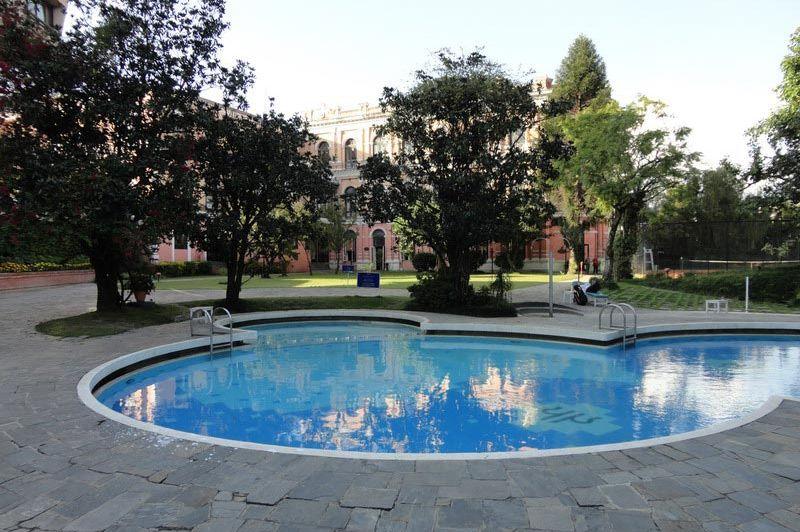 zwembad - Yak & Yeti - Nepal