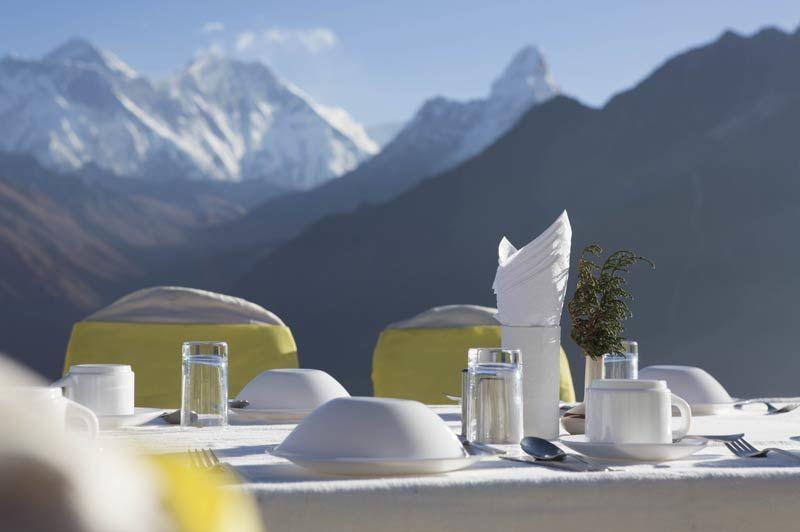 Kongde Yeti Mountain Home tafel uitzicht - Nepal - foto: Archief