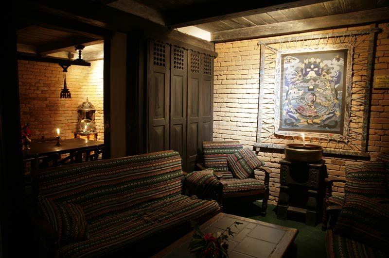 binnenkant Old Inn Bandipur - Old Inn Bandipur - Nepal - foto: Archief