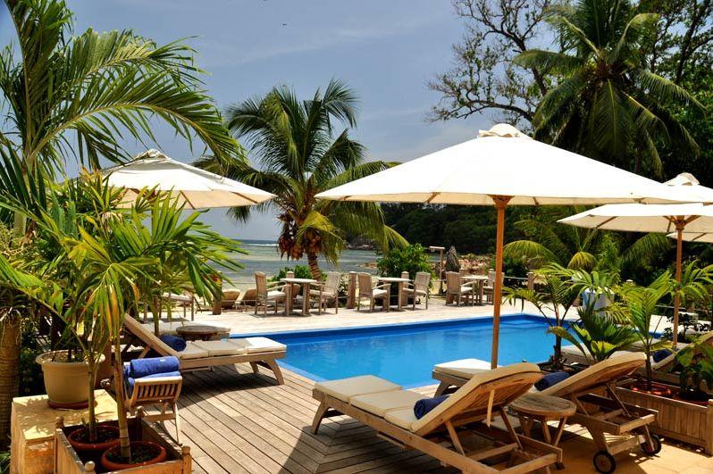 Zwembad - Crown Beach Hotel - Seychellen - foto: Crown Beach Hotel