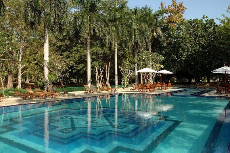 zwembad - Cinnamon Lodge - Habarana - Sri Lanka