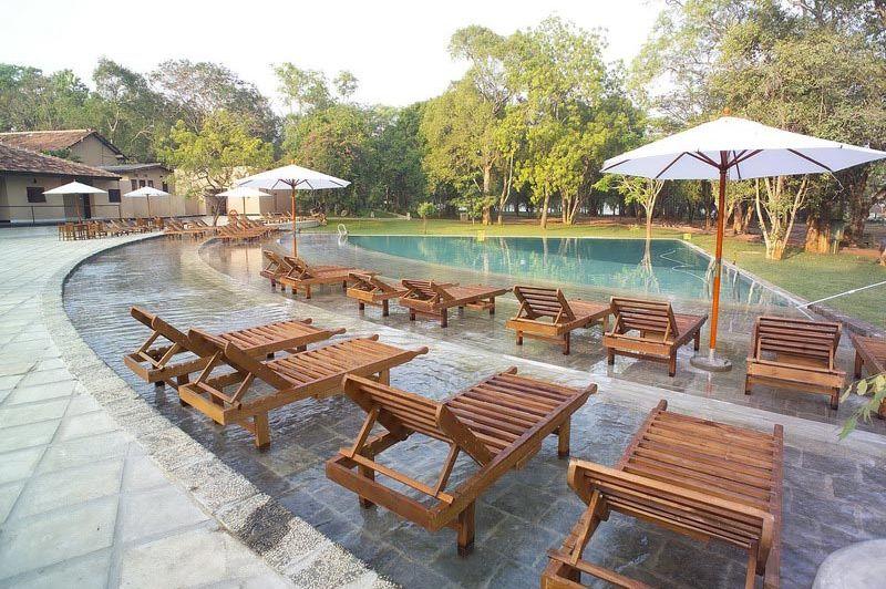 zwembad - Chaaya Village - Habarana - Sri Lanka