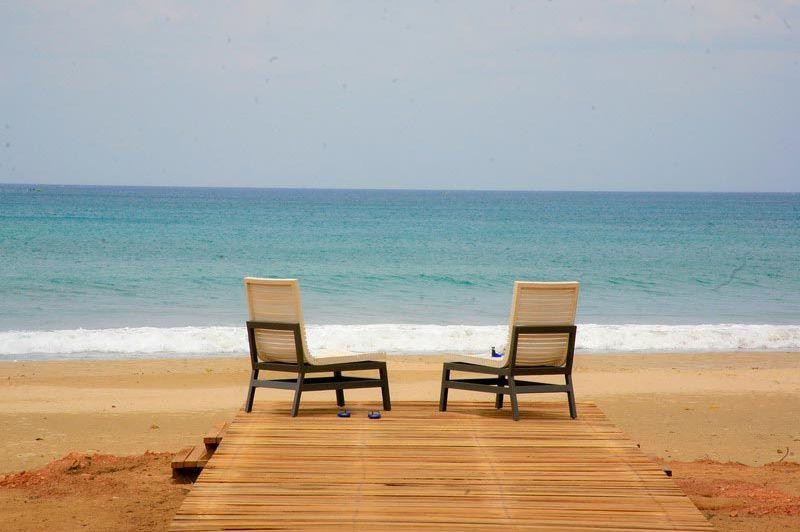 dek bij zee - Chaaya Blu Resort - Sri Lanka