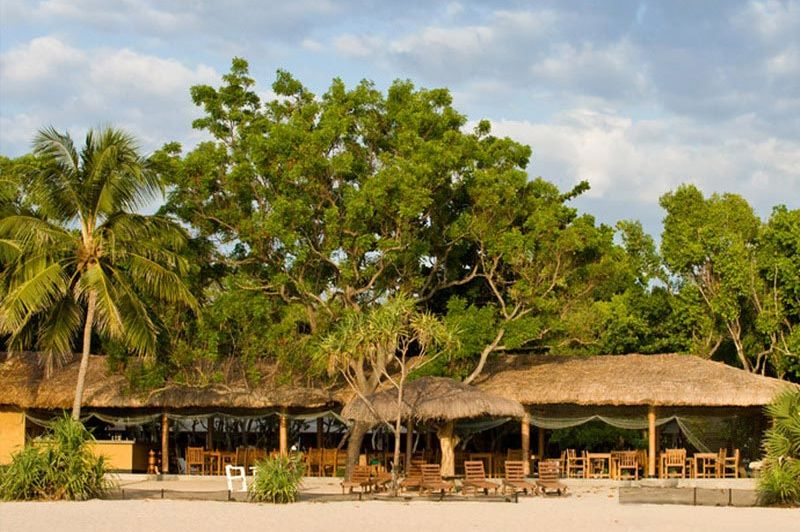 hotel vanaf strand - Nilaveli Beach Hotel - Trincomalee - Sri Lanka