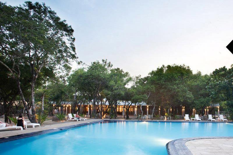 zwembad - Nilaveli Beach Hotel - Trincomalee - Sri Lanka