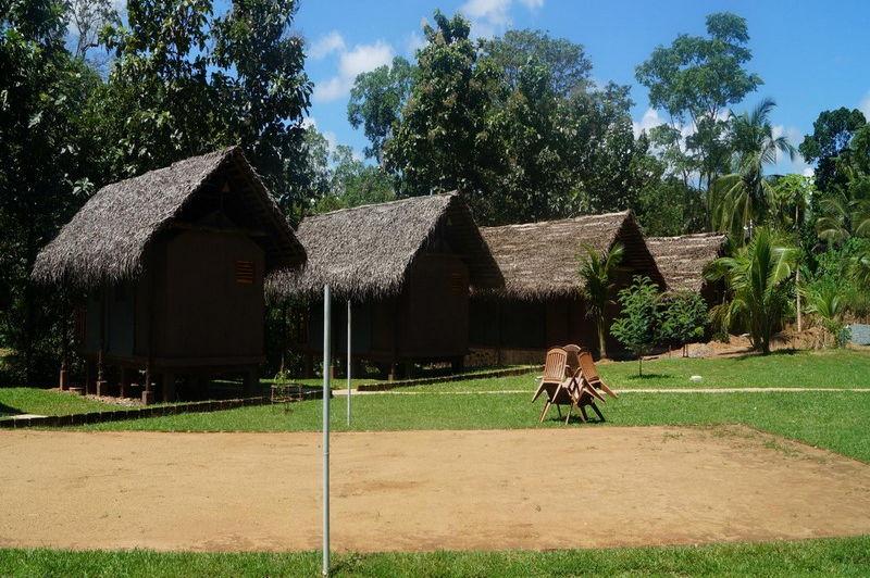 hutjes in de Athgira River Camping - Athgira River Camping - Sri Lanka - foto: Internet