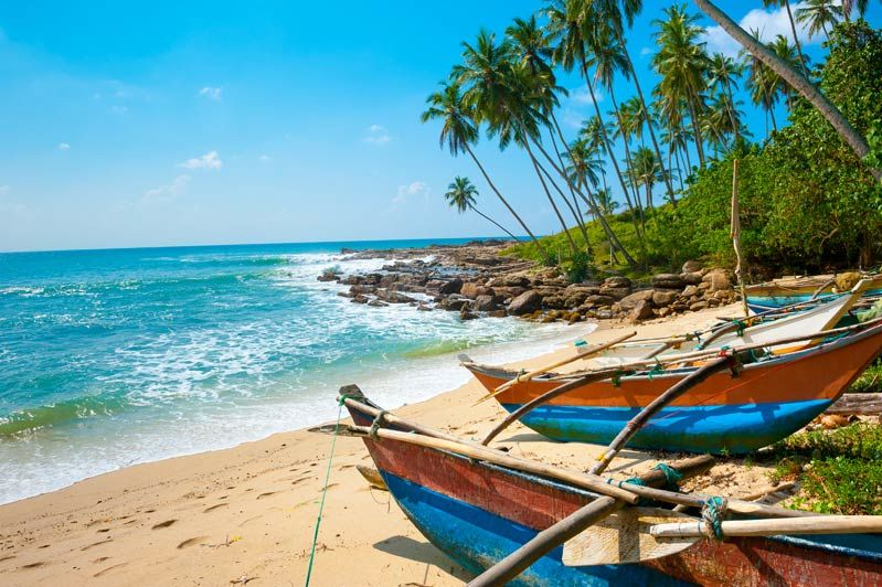 Vissersbootjes met strand - Sri Lanka - foto: Archief