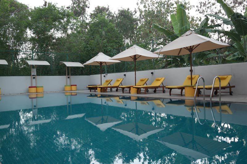 zwembad van The Thinnai in Jaffna - The Thinnai - Sri Lanka - foto: Mieke Arendsen