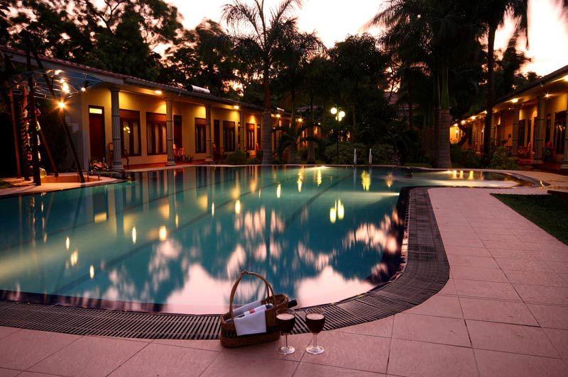 zwembad van Chandrika Hotel in Tissamaharama - Chandrika Hotel - Sri Lanka - foto: Chandrika Hotel