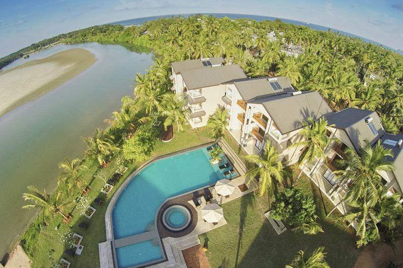 bovenaanzicht van Amaranthé Bay in Trincomalee - Amaranthé Bay - Sri Lanka - foto: Amaranthe Bay