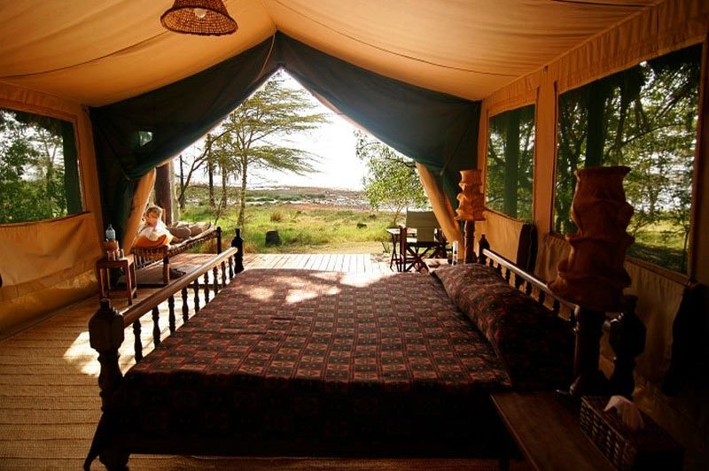 tent binnen - Kisima Ngeda - Lake Eyasi - Tanzania