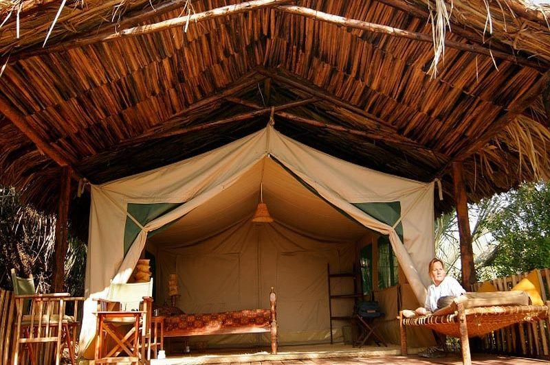 kamer vanaf buiten - Kisima Ngeda - Lake Eyasi - Tanzania