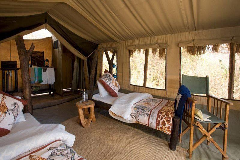 kamer binnen - Tindiga Tented Camp - Lake Eyasi - Tanzania