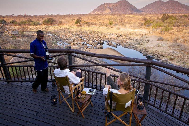Terras Ruaha Rivier Lodge - Ruaha Rivier Lodge - Tanzania - foto: Niels van Gijn - Foxes Safari Camps