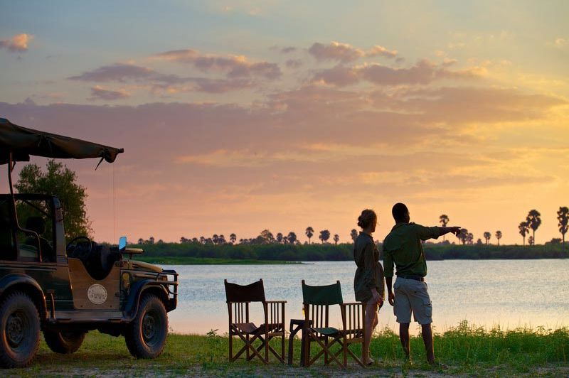 Sundowner - Rufiji River Camp - Tanzania - foto: Niels van Gijn - Foxes Safari Camps