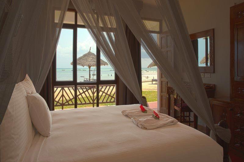 Kamer met zeezicht Double Tree Resort by Hilton Zanzibar - Double Tree Resort by Hilton Zanzibar - Tanzania - foto: Martijn Visscher