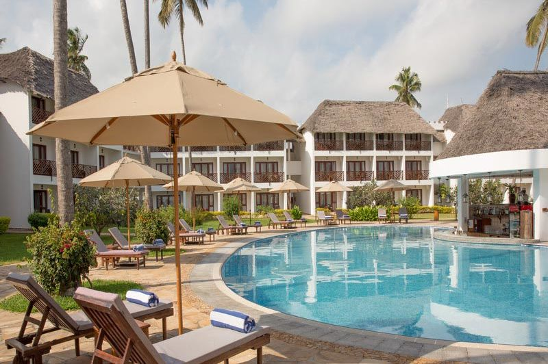 Zwembad Double Tree Resort by Hilton Zanzibar - Double Tree Resort by Hilton Zanzibar - Tanzania - foto: Martijn Visscher