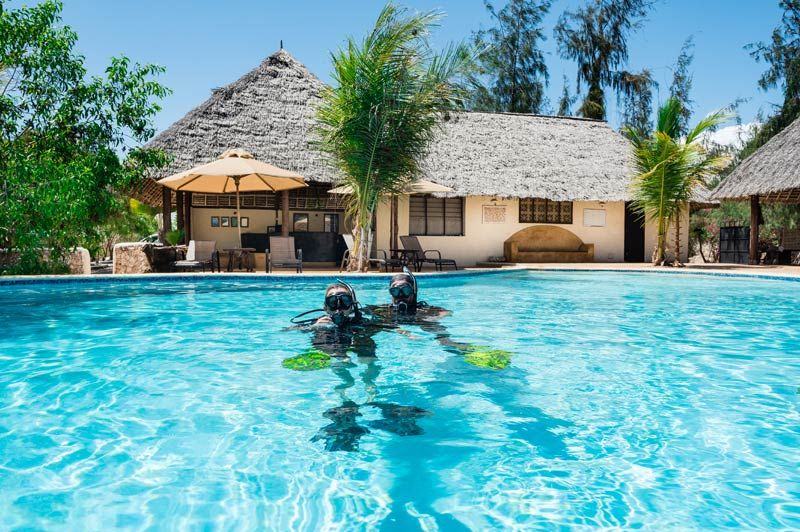 Sunshine Marine Lodge, duiken in het zwembad - Sunshine Marine Lodge - Tanzania