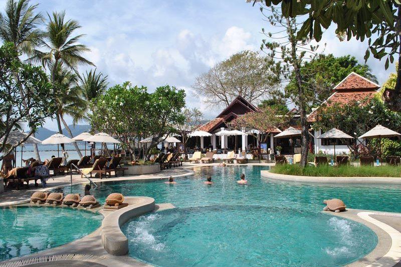 Chaweng Regent Beach Resort zwembad - Chaweng Regent Beach Resort - Thailand - foto: Marloes Wijnhoff