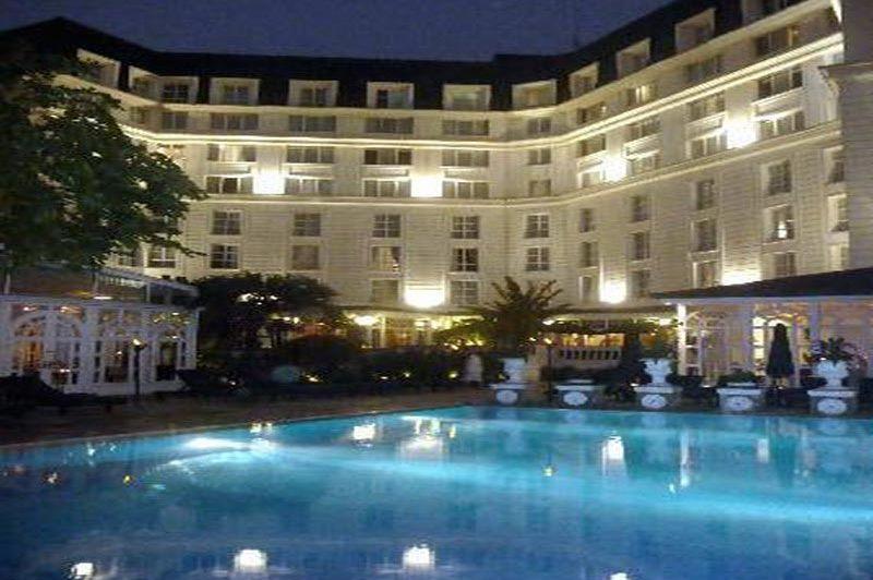 zwembad - Sofitel Legend Metropole - Hanoi - Vietnam