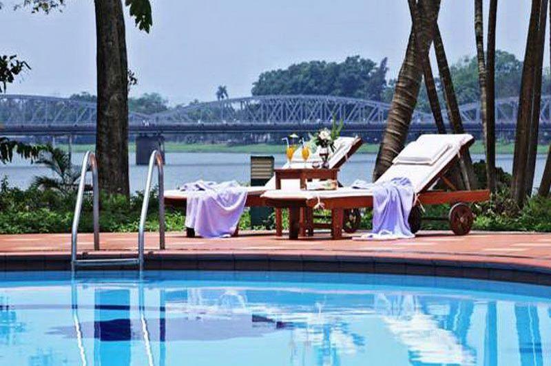 zwembad - Century Riverside Hotel - Hue - Vietnam