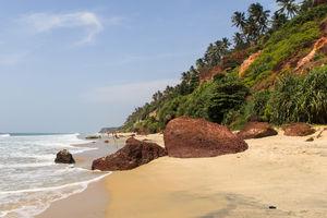 Aaliyirakkm Beach - Rotsklif - Varkala - India - foto: flickr