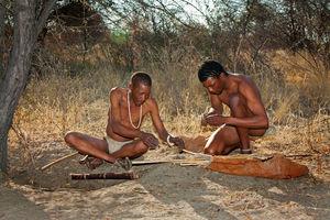 Deception Valley Lodge - bushmen - Kalahari - Botswana - foto: Deception Valley Lodge