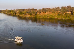 Divava Okavango Lodge - boottocht - Zambezi - Namibie - foto: Divava Okavango Resort