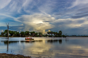 Lake Manze Tented Camp - bootsafari - Selous - Tanzania - foto: Lake Manze Tented Camp
