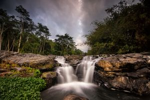 Lombok - Waterval - Indonesie - foto: unsplash