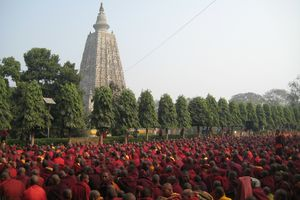 Mahabodhi Tempel - Monniken - Bodhgaya - India - foto: flickr