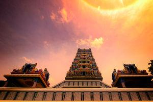 Marudhamalai Tempel - Zonsondergang - Coimbatore -India - foto: flickr