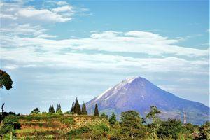 Medan - Bergen - Natuur - Sumatra - Indonesie - foto: flickr