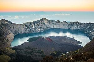 Mount Rinjani - Gunung Baru - Vulkaan - Lombok -Indonesie - foto: flickr
