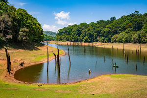 Periyar Rivier - Oevers - India - foto: flickr