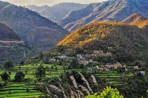 Rishikesh - Bergen - Huisjes - India - foto: unsplash