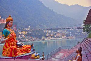 Rishikesh - Brug - Standbeeld - India - foto: pixabay