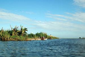Sengkang - Vissers - Lake Tempe - Indonesie - foto: lokale agent