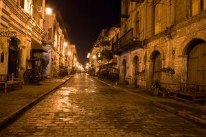 Calle Crisologo in de avond - Vigan - Luzon - Filipijnen