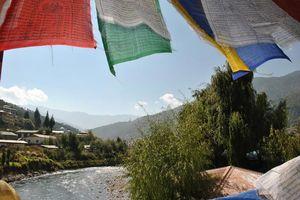 Vlaggetjes Thimpu - Bhutan - foto: Marloes Wijnhoff